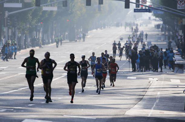 Los Angelesin maratonin tapahtumat ovat puhuttaneet Yhdysvalloissa.