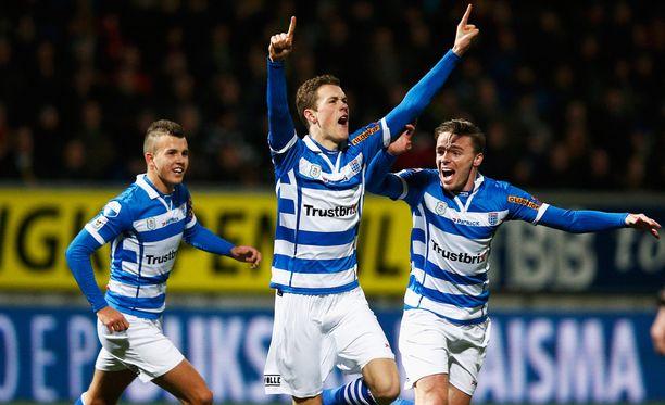 Zwollen suomalaistoppari Thomas Lam (keskellä) juhlii maaliaan Cambuuria vastaan joulukuussa. Tänään seurat kohtaavat Hollannin cupin puolivälierissä.