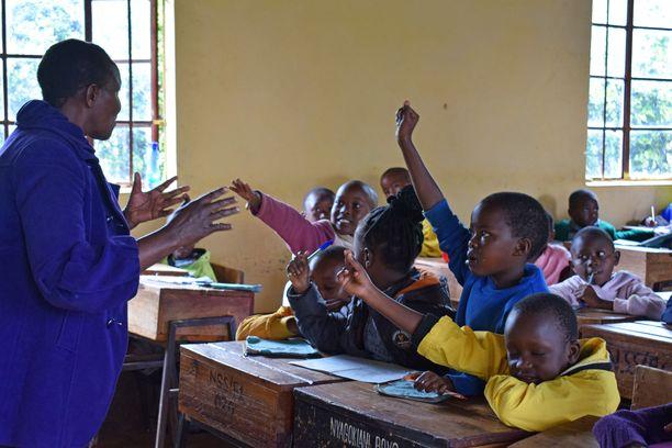 Turvaleireillä kenialaislapset oppivat silpomisperinteen haitoista ja ovat turvassa silpomiselta.