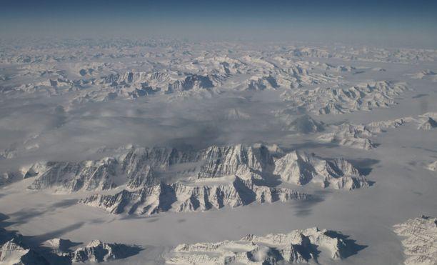 Joulukuussa julkaistun skotlantilaistutkimuksen mukaan Grönlannin jäätikkö sulaa jopa talvella.