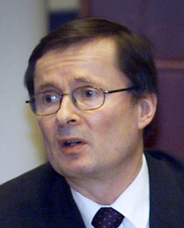 Lauri Lajunen valittiin jälleen rehtoriksi.