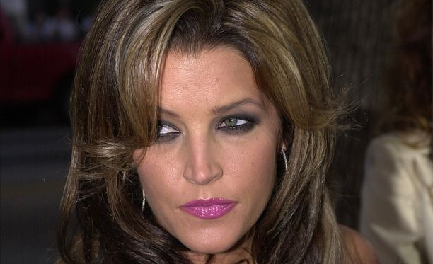 Lisa-Marie Presley eroaa jälleen.