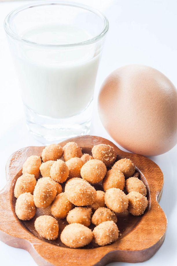 Kahdeksan ruoka-ainetta aiheuttaa noin 90 prosenttia ruoka-allergioista. Nämä ovat maito, kananmunat, kala, äyriäiset, pähkinät, maapähkinät, vehnä ja soijapavut.