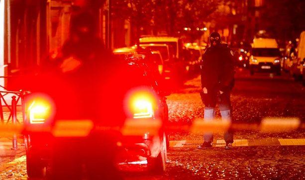 Salah Abdeslamia etsittiin mittavassa operaatiossa Brysselin Molembeekissa.