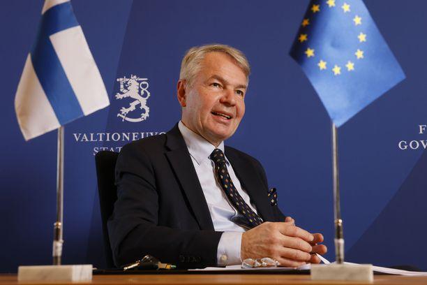 Oikeuskansleri antoi moitteet ulkoministeri Pekka Haaviston (vihr) johtaman ministeriön virkamiesjohdolle.
