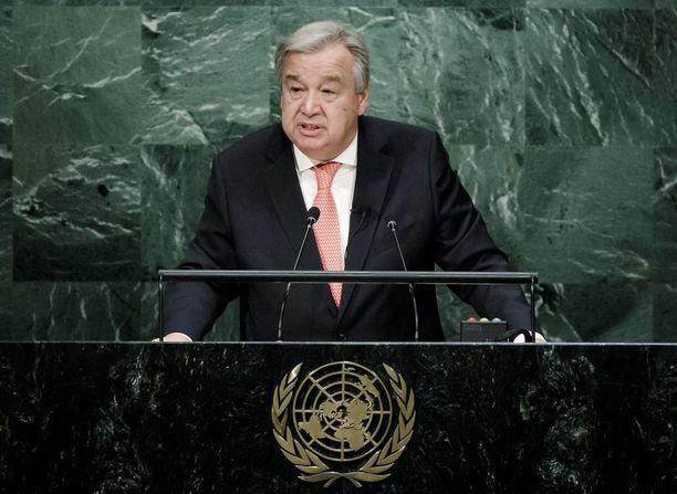 Antonio Guterres siirtyy YK:n johtoon.