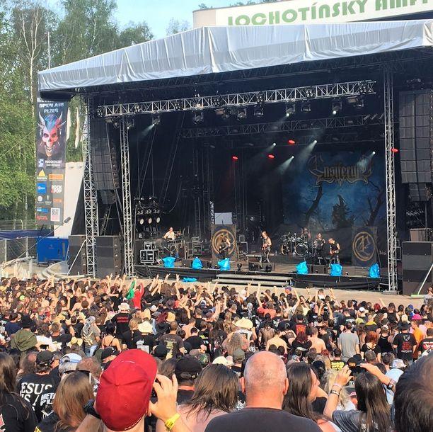 Plzeňissä on vilkas kulttuurielämä, ja kaupungissa järjestetään erilaisia tapahtumia. Kesäkuun alussa sinne kokoontui raskaan musiikin ystäviä Metalfest Open Air -festivaaleille.
