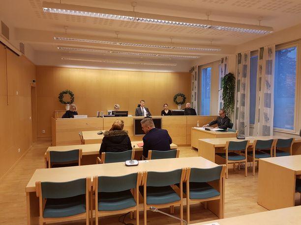 Oikeuden istunto käytiin suljettujen ovien takana.