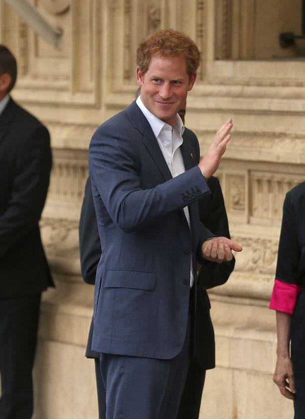 Prinssi Harryn on arveltu olevan vahva ehdokas veljentyttärensä kummiksi.
