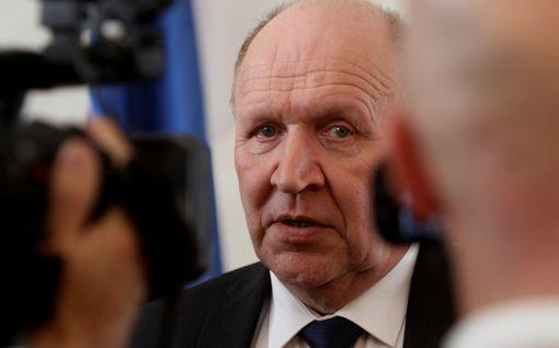 Sanna Marininkin haukkunut Viron sisäministeri eroaa – kyseenalaisti Joe Bidenin vaalivoiton