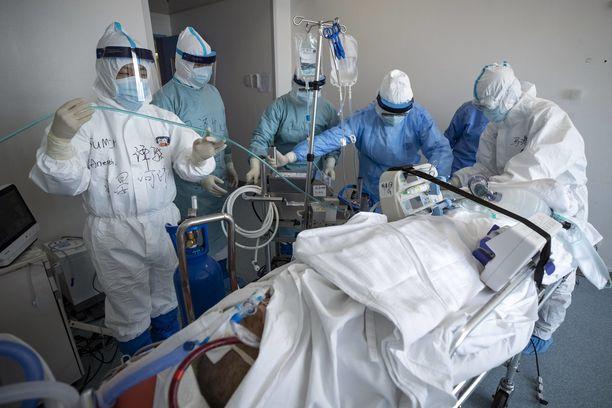 ECMO-laitteesta on tullut tärkeä osa keuhkonsiirtoa odottavien COVID-19-potilaiden hoitoa.