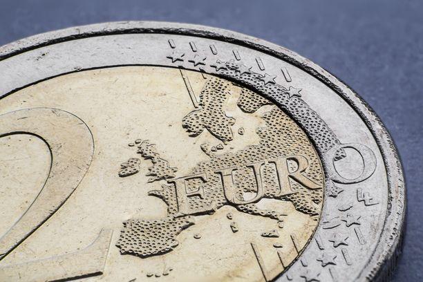 Arvokkaimmat kahden euron kolikot voivat olla arvoltaan jopa pari tuhatta euroa.