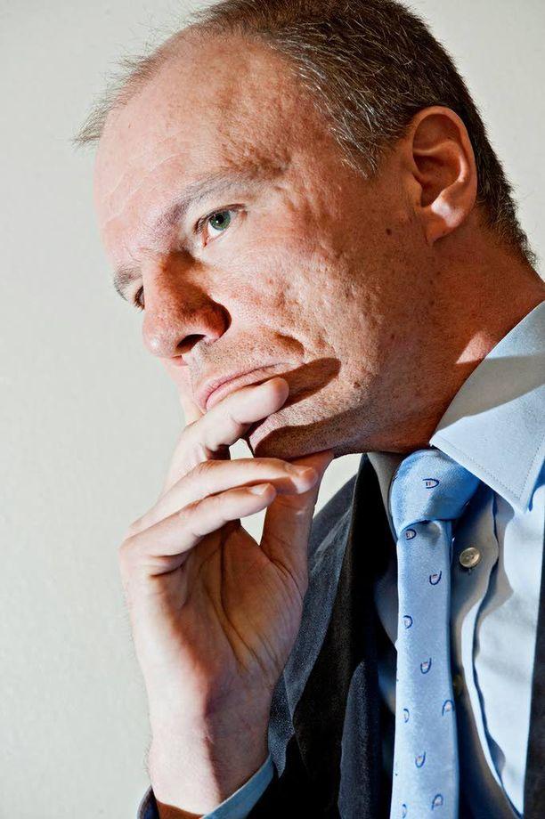 Tuomas Portaankorva kertoo suojelupoliisin työmäärän kasvaneen.