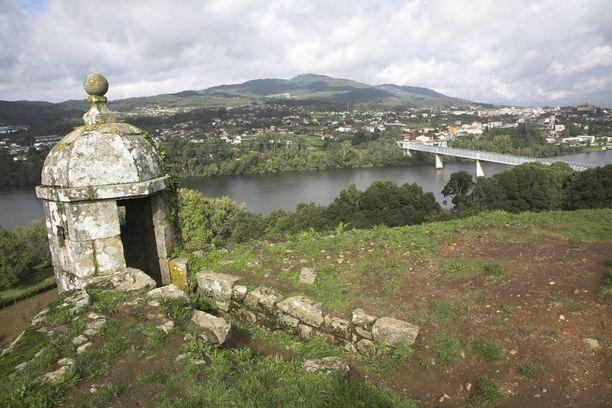 Pappi oli pyhiinvaellusmatkalla Valençan kaupungissa Portugalissa.