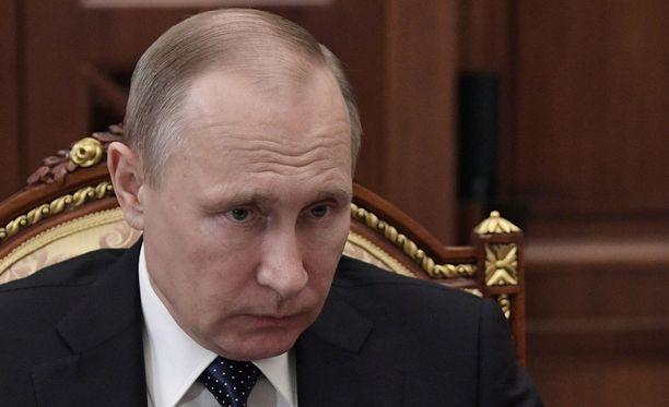 Presidentti Vladimir Putinin mukaan Syyriassa valmisteltaisiin provokaatioita, joita voidaan käyttää Syyrian presidentin Bashar al-Assadin lavastamiseksi Syyrian myrkkyiskuun.