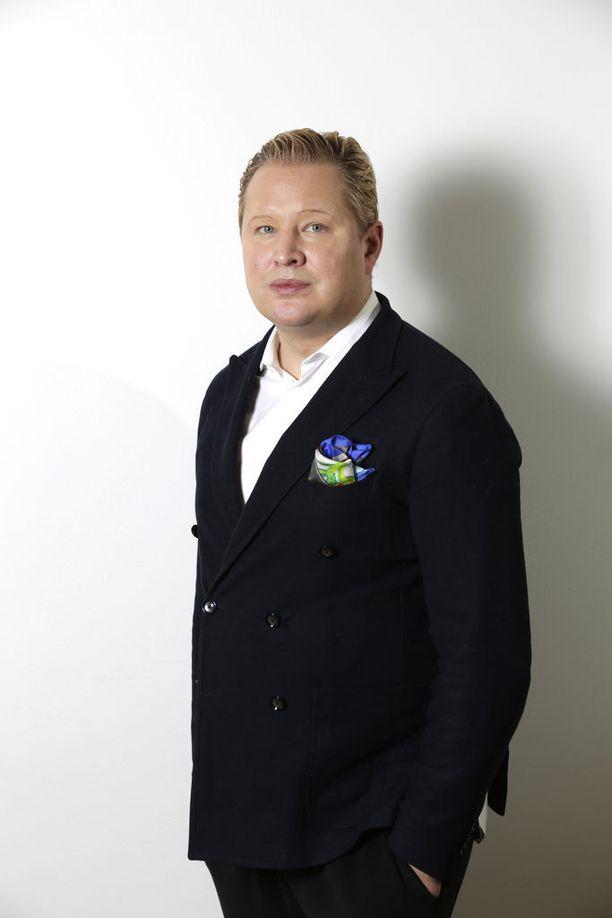 Työelämäprofessori Pekka Mattila turhautui kokoomukseen.