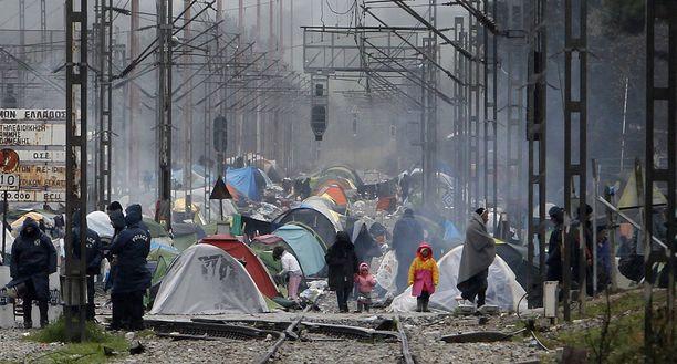 Olot Idomenin leirillä ovat huonontuneet rankkojen sateiden jälkeen.