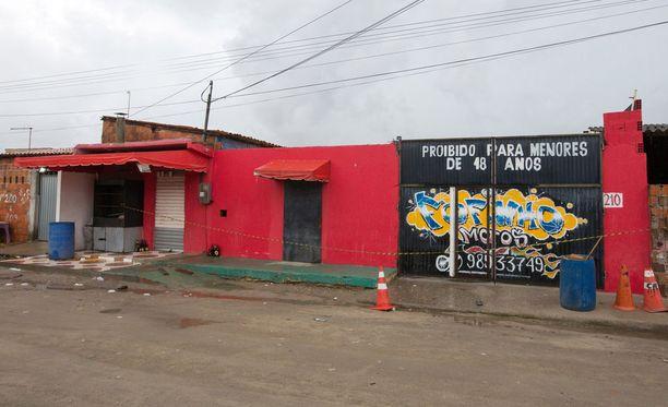 Brasilian Fortalezassa sijaitsevassa yökerhossa sattui varhain lauantaiaamuna paikallsita aikaa ammuskelu, jossa ainakin 14 ihmistä kuoli.