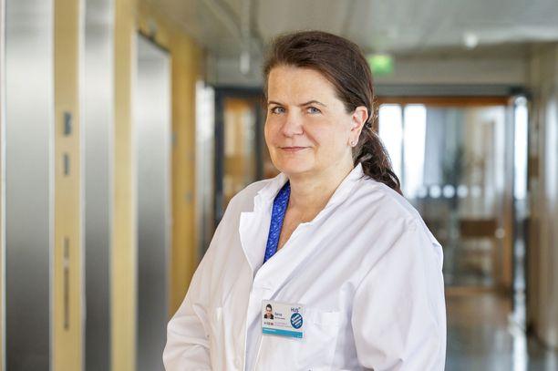 Eeva Ruotsalainen kertoo, että Husissa on varauduttu virusmuunnoksen aiheuttavaan testauksen tarpeen lisääntymiseen.