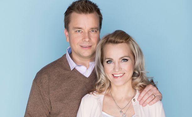 Antti Kaikkonen hävisi vaimolleen Satu Taiveaholle äänimäärässä.