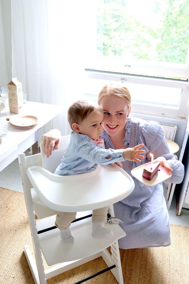 Iida Åfeld halusi järjestää vauvavuoden päätteeksi pojalleen ihanat 1-vuotisjuhlat. Niidenkin kustannukset hän sisällytti vauvan ensimmäisen vuoden kuluihin.