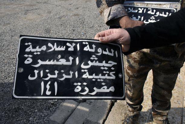 Isisiltä jäi Itä-Mosuliin myös autojen rekisterikilpiä terroristien paetessa kaupungin länsipuolelle.