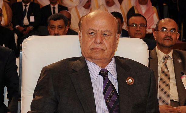 Jemenin presidentin Abdo Rabbo Mansour Hadin mukaan siepatut kolme ihmistä vapautetaan vaikka voimaa käyttäen.