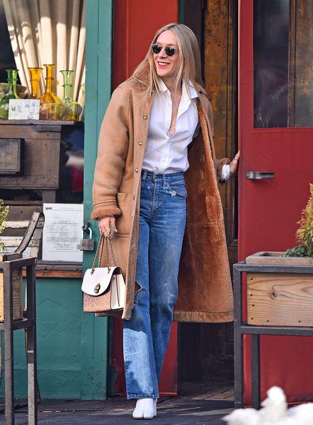 Hymyileväinen Chloe Sevigny kuvattiin shoppailemassa ja lounastamassa New Yorkissa.