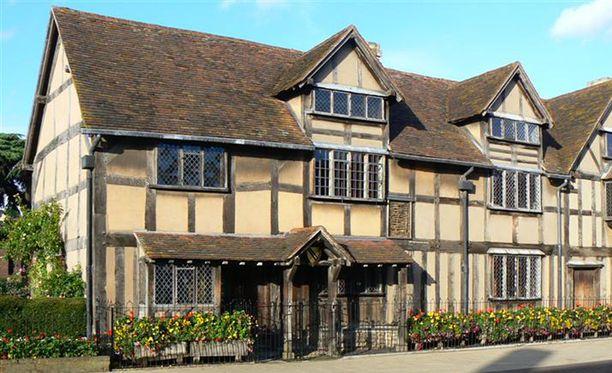 Tämän Stratford-upon-Avonissa sijaitsevan talon väitetään olevan William Shakespearen syntymäkoti.