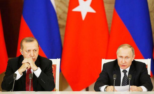 Recep Tayyip Erdogan ja Vladimir Putin tapaavat keskiviikkona Sotshissa.
