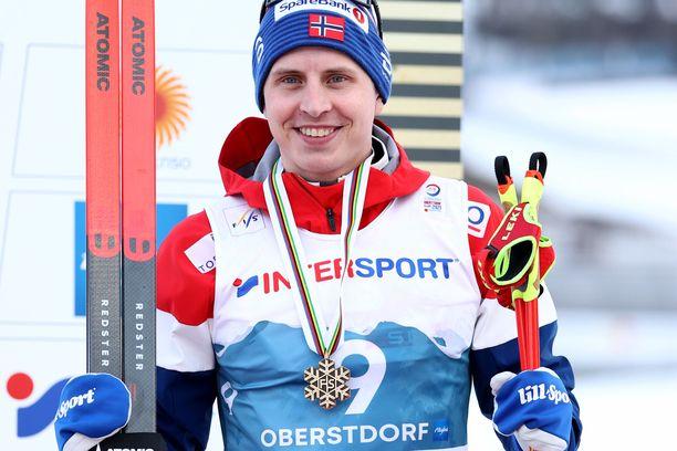 Simen Hegstad Krüger sai yllättäen pronssia.