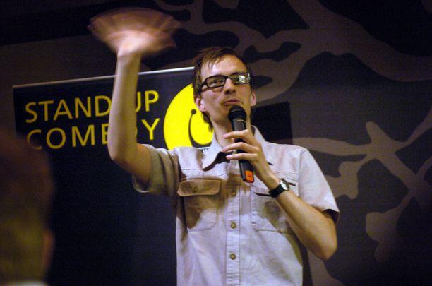 Wickström on suomalaisen stand upin ensimmäisiä supertähtiä. Kuva vuodelta 2004.