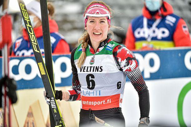 Teresa Stadlober joutui lähtemään Lahden maailmancupiin ilman luottohuoltajansa. Suru oli suuri.