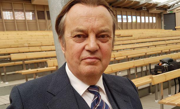 Juhani Laitala on jättänyt turhat saunaoluet pois.