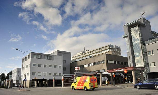 Kuopion yliopistollisen sairaalan lastenlääkäri havaitsi pojan todellisen tilan ja hänestä tehtyjen diagnoosien välillä olevan ristiriidassa keskenään.