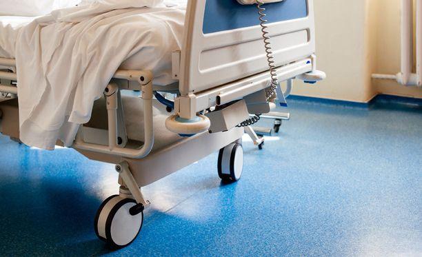 Sosiaali- ja terveysviraston tietosuojavastaava sanoo lehdessä, että ennen kuvaamista potilaalta pyydetään suostumus. Kameroita käytetään myös, jos potilaan turvallinen hoito edellyttää sitä.