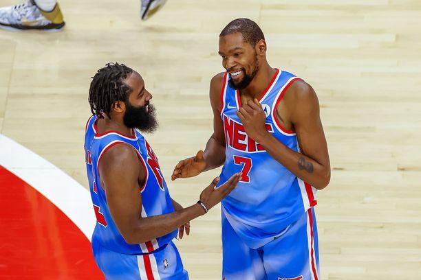 James Harden sekä Kevin Durant hakevat lohtua olympialaisista NBA:ssa tulleeseen pettymykseen.
