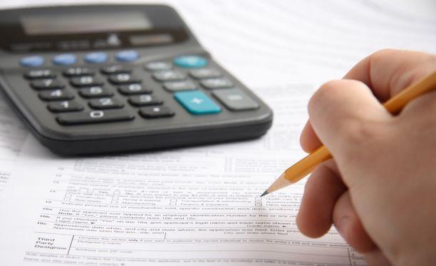Komissio aikoo muun muassa kiristää verotusjärjestelmän sääntöjä. Kuvituskuva.