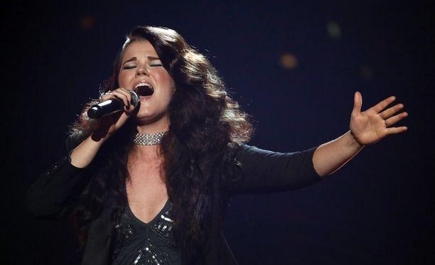 Saara Aalto kilpailee lauantaina Britannian X Factorin kolmannessa livelähetyksessä Lontoossa.