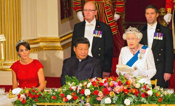 Herttuatar Catherine istui Kiinan presidentin vieressä.