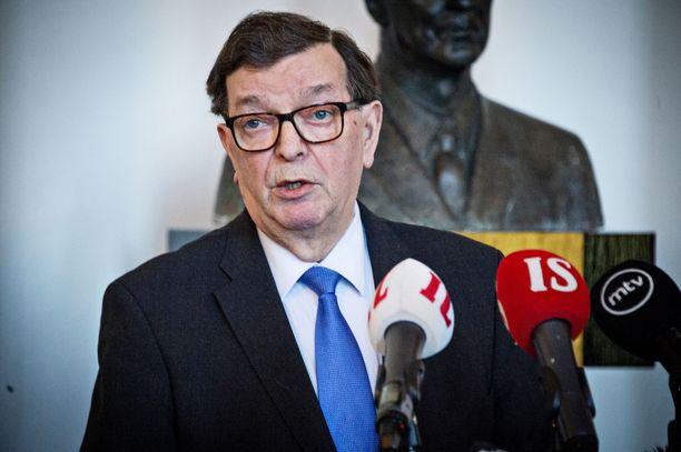 Kansanedustaja Paavo Väyrynen (tl) piti tammikuussa tiedotustilaisuuden eduskunnan valtiosalissa.