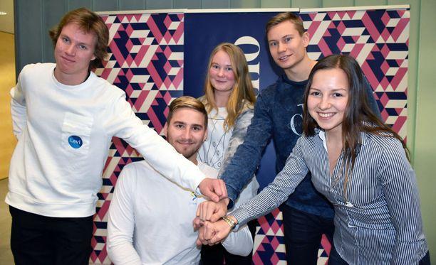Joona Kangas (vas.), Henry Manni, Emmi Parkkisenniemi, Oskari Mörö ja Anna Haataja ovat VVO:n tukemia urheilijoita.