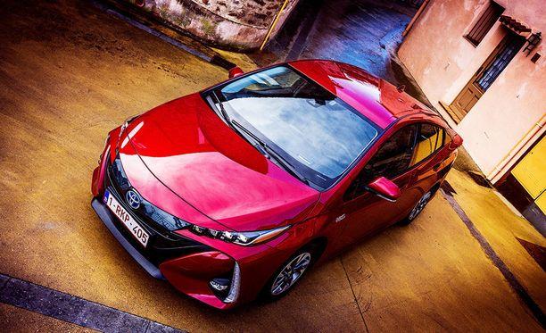 Yhteistä sähköautoarkkitehtuuria aletaan rakentaa Toyotan TNGA -pohjaratkaisun päälle.