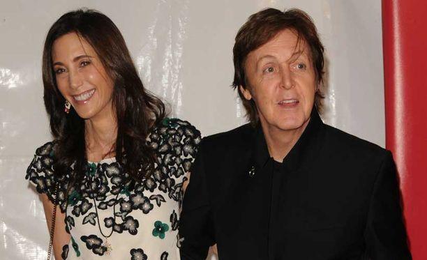 Sir Paul McCartney ja Nancy Shevellin avioituivat viime vuonna. Avioliitto on miehelle kolmas.