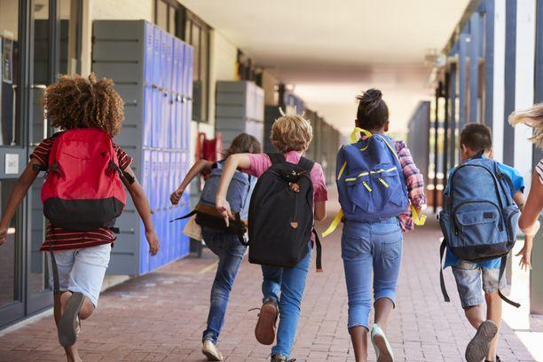 Piileekö kouluvuoden alussa sittenkin koronapommin vaara?