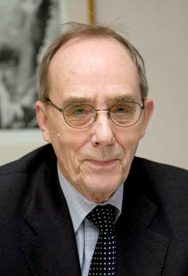Arkkiatri Risto Pelkonen voisi viritellä keskustelun muun muassa geenikartoituksen ja syöpäseulontojen etiikasta.