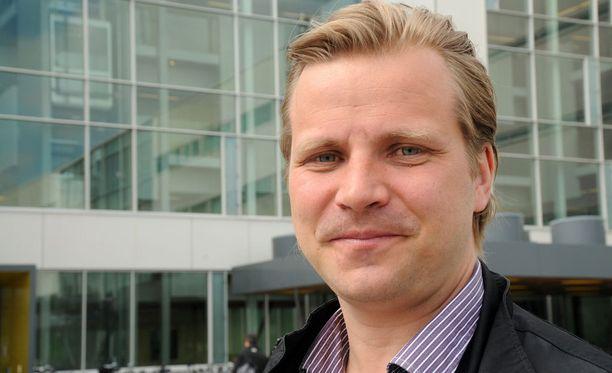 Nykyisin psykologina työskentelevä Tuomas Grönman oli mukana Leijonissa voittamassa olympiapronssia Naganossa 1998.