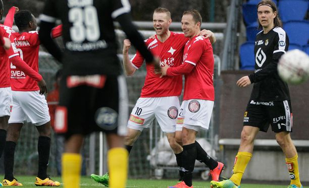 HIFK:n Juho Mäkelä tuuletti maalia kahdesti.