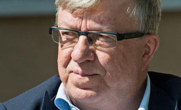Timo Laaninen järkyttyi Paavo Väyrysen puolueaikeista.