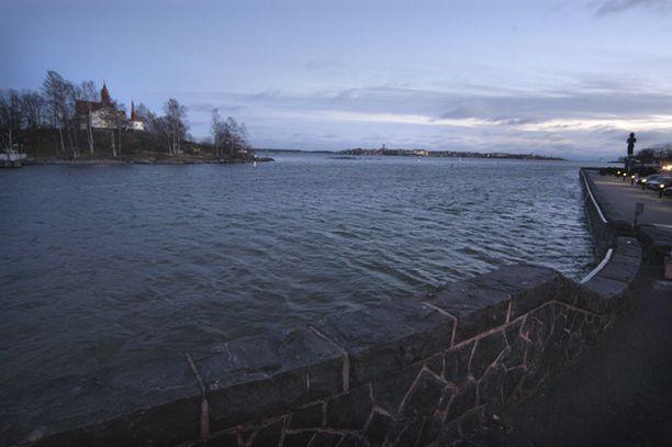 AVOINNA Tältä näytti Kaivopuiston rannassa 16. joulukuuta 2005.